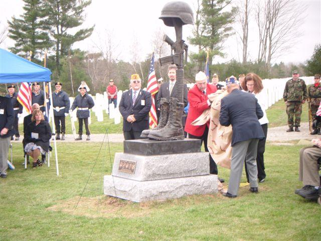 State Commander Fournier assists in dedication of Battlefield Cross monument at Maine Veterans Cemetery in Augusta