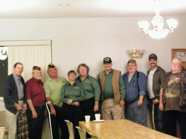 Charter Chapter members pose with Loren Davis, NEC and Mike Ward, Frmr Cmdr, Dept of OR